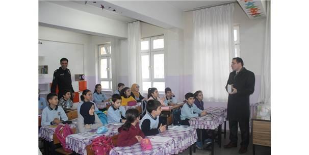 Borçka'da Öğrencilere Sağlık Ajandası Dağıtıldı