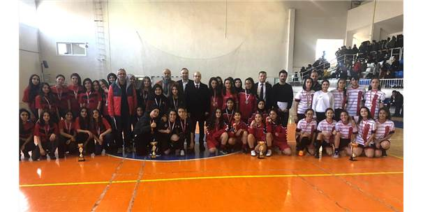 Karaman'da Futsal İl Birinciliği Müsabakaları