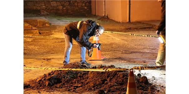 Okul Bahçesindeki Kazıda İnsan Kemikleri Bulundu