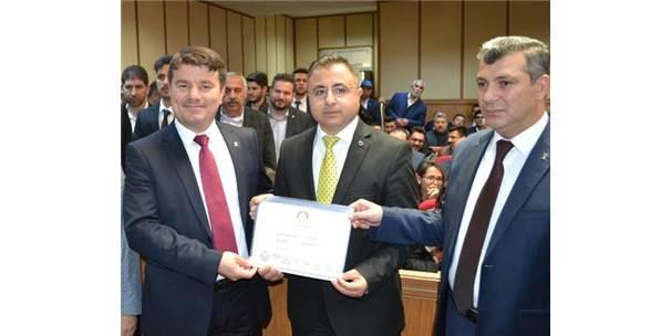 Aksaray'ın Yeni Başkanı Mazbatasını Aldı
