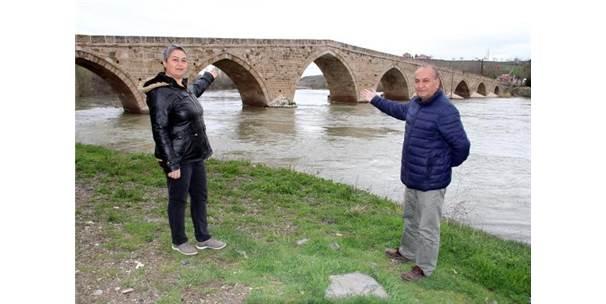 'Tarihi Şahruh Köprüsü Turizme Kazandırılsın' Çağrısı