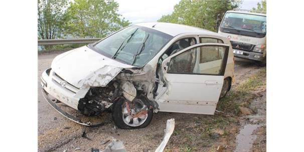 Kastamonu'da Tır İle Otomobil Çarpıştı: 1 Ölü, 1 Yaralı