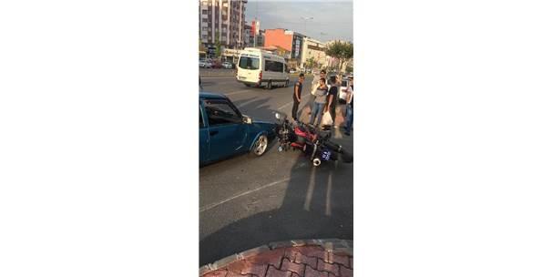 Ehliyetsiz Sürücü Yunus Ekibine Çarptı, 2 Polis Yaralandı