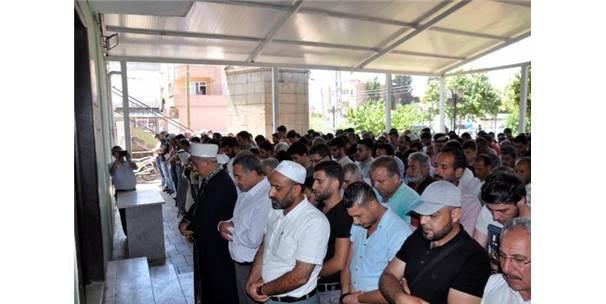 Reyhanlı'da Mursi İçin Gıyabi Cenaze Namazı