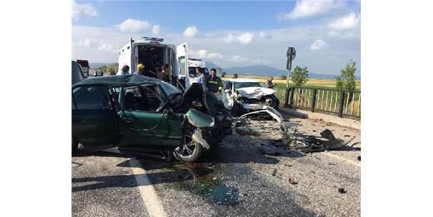 Beyşehir'de Kaza: 2 Ölü, 3 Yaralı