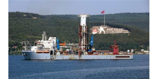 Liberya Bayraklı Sondaj Gemisi, Çanakkale Boğazı'ndan Geçti