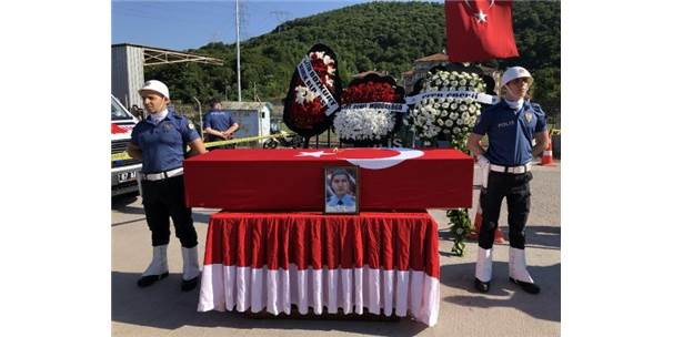 Kazara Kendisini Vuran Polis, Zonguldak'ta Toprağa Verildi