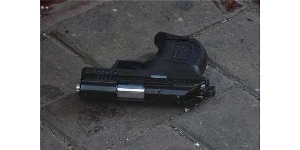 Silah Satmak İstemediği Müşterisi Tarafından Vuruldu