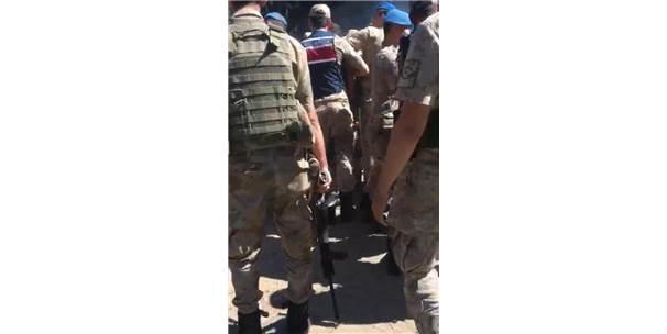 Festivalde Kavga Eden Alkollü Gruplarla Jandarma Arasında Arbede