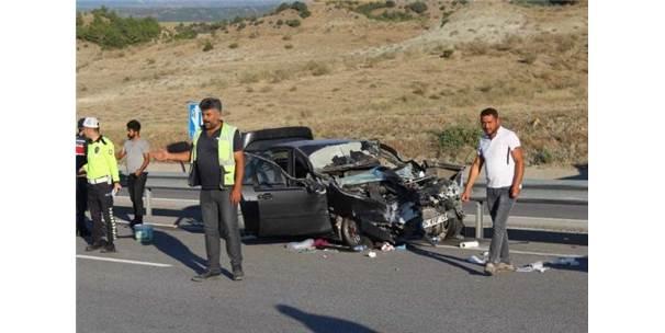 Kastamonu'da Otomobil Tır'a Çarptı: 6 Yaralı