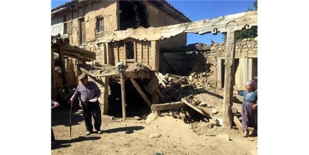 Denizli Depreminde Afyonkarahisar'da 15 Ev Yıkıldı