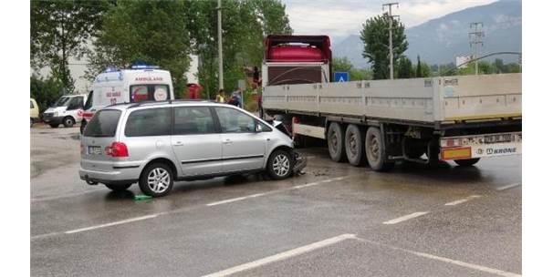 Karabük'te Trafik Kazası: 7'Si Aynı Aileden 8 Kişi Yaralandı
