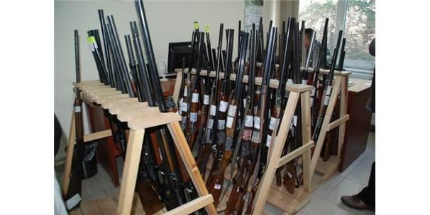 Kaçak Avda Ele Geçirilen 60 Tüfek Açık Artırmayla Satışa Çıkıyor