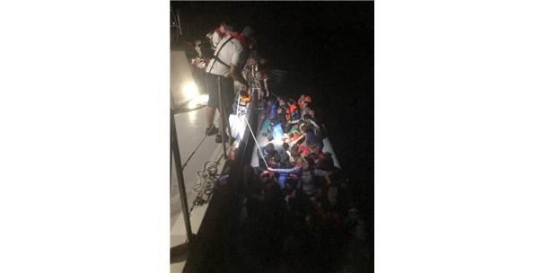 Kuşadası'nda 1 Günde 129 Kaçak Göçmen Yakalandı