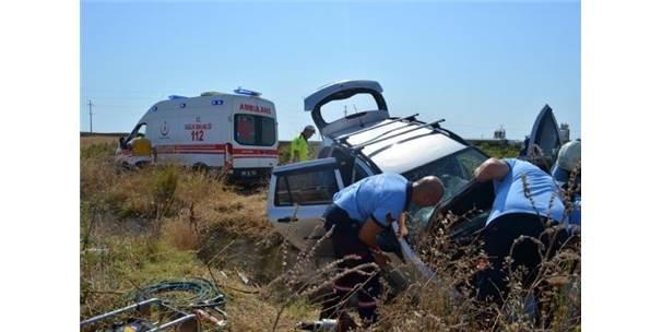 Şarampole Devrilen Otomobilde 2 Kişi Yaralandı