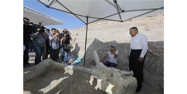 Başkan Büyükkılıç'tan Taşhan Kazıları Açıklaması