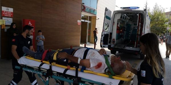Duvar Ördüğü Sırada İkinci Kattan Düşen Kişi Ağır Yaralandı