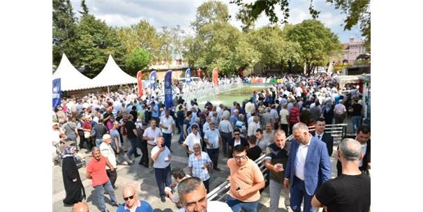 Bursa'da 10 Bin Kişiye Aşure İkramı