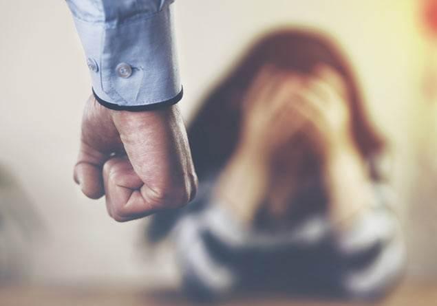 Eğitimli erkekler şiddet uygulamaz mı?