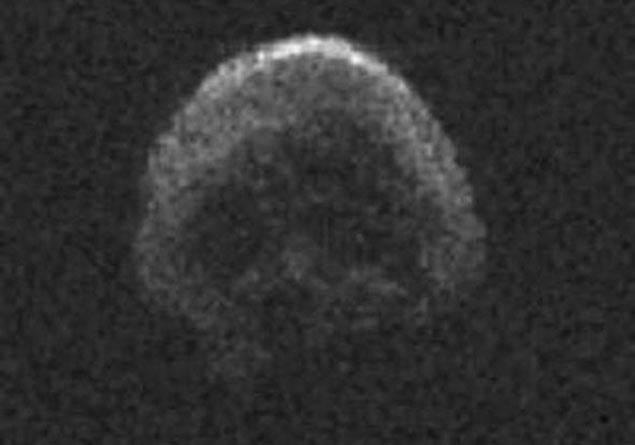 Kurukafa şeklindeki asteroid deprem ve tsunami endişesini artırıyor