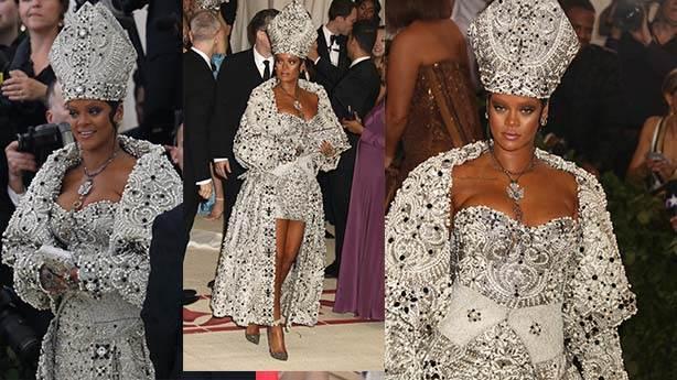 Rihanna'nın Met Gala'da giydiği papa kostümü olay oldu