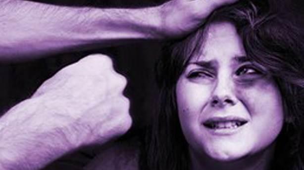 Sokak ortasında kadın döven birisine uçan kafa atmak ne anlama gelir?