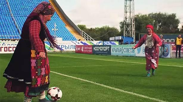 Rus nineler Buranovskiye Babuşki'den futbolculara sürpriz