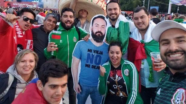 Eşinin Rusya'ya göndermediği Meksikalı'ya arkadaşlarından sürpriz