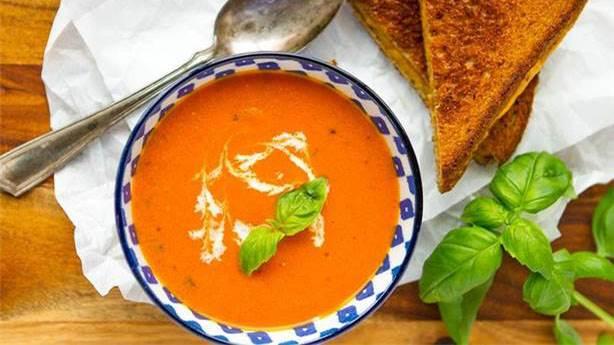 Yaz boyu içinizi serinletecek bir tarif: Soğuk kırmızı biber çorbası