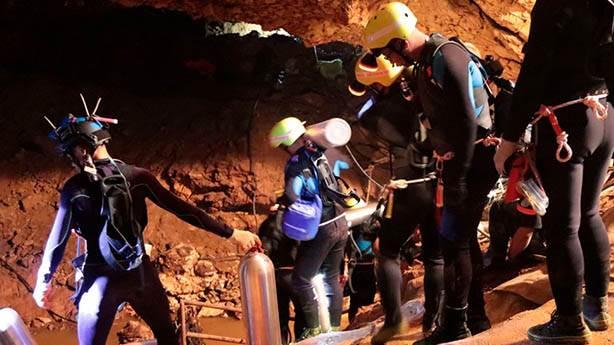 Tayland'da mağarada mahsur kalan çocuklar nasıl kurtarıldı?