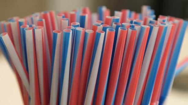 Plastik pipet ve karıştırıcılar tarihe karışıyor