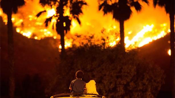 Kaliforniya tarihinin en büyük yangınında neler oluyor?