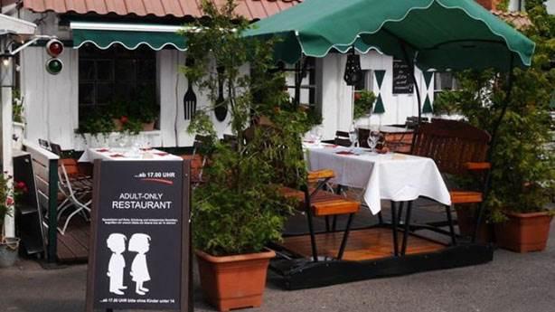 Bu restorana 14 yaşından küçükler giremiyor