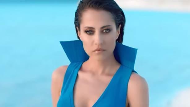Emrah Karaduman ve Derya Uluğ 'Sürgün Aşkımız' şarkısı ile nostalji yaşattı