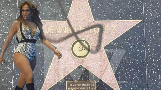 Trump anlaşılabilir, Bill Cosby hak etti ama Jennifer Lopez'den ne istediniz?