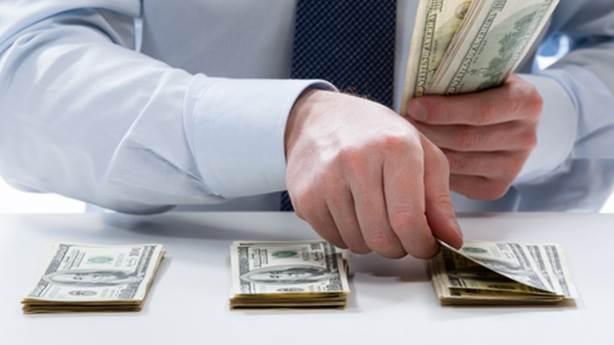 Bilimsel olarak araştırıldı: Para insanı bozuyor mu?