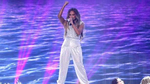 Jennifer Lopez de olsan o gül serilecek, o yüzük takılacak!