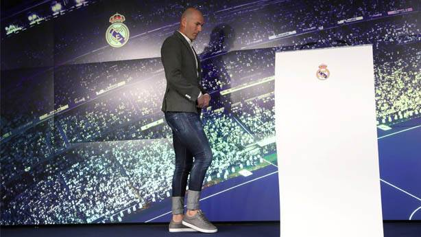 Teknik direktörler birer marka: Zidane'ın pantolonu ve kombini neyi yansıtıyor?