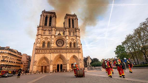Notre Dame Katedrali yangını ve tarihin geleceği
