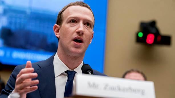Facebook yine karıştı: 1.5 milyon insanın mail bilgisi ellerinde!
