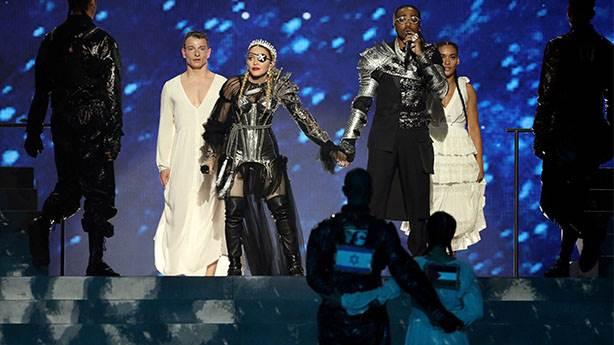 Madonna'nın Eurovision performansı kimseyi mutlu etmedi