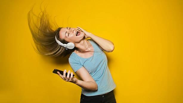 Müzik dinlemek için 'telefon dışında' bir araca ihtiyaç var