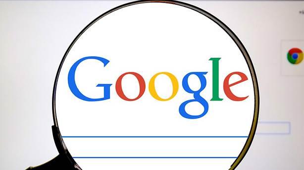 Google gerçekten şarkı sözü mü çalıyor?