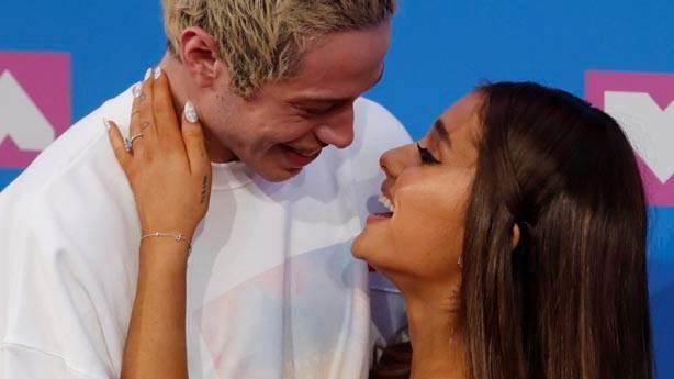 Ariana Grande, gerçekçilik denilen şeyin varlığını hatırladı
