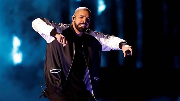 Konserde yaralandığı için Drake'e dava açan kadın neyin peşinde?
