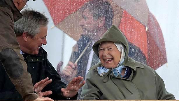 Kraliçe'den 'kral hareket': Artık kürk yok!