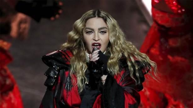 Tebrik ederim abla: Madonna'dan intikam almak için eşiyle birlikte oldu