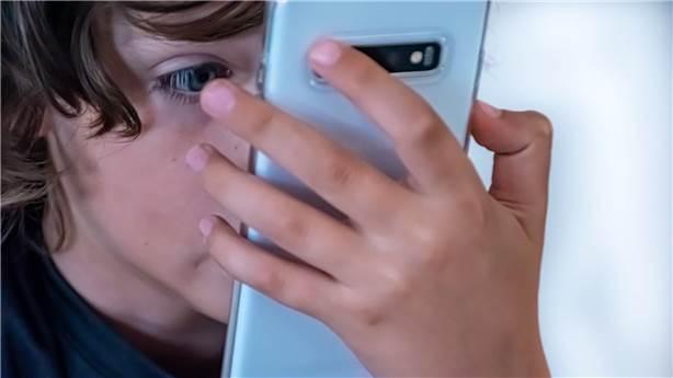 Vaktin nasıl geçtiğini fark ettirmeyecek 10 mobil oyun