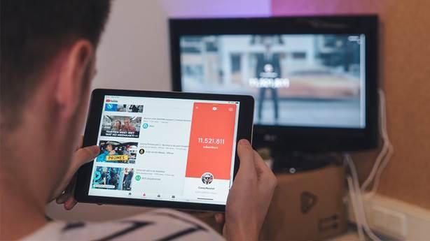 Youtube'daki sakıncalı videolarla nasıl başa çıkmalıyız?