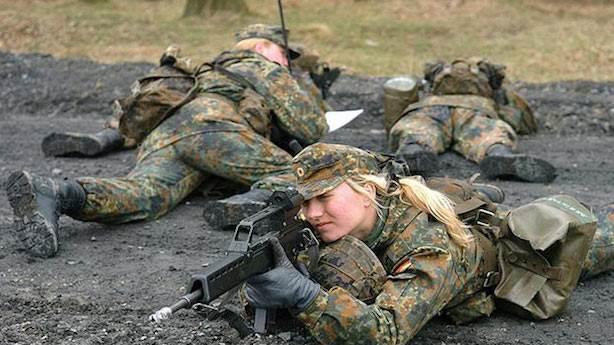 Hollanda'da kadınlara zorunlu askerliğin gelmesi ne demek?